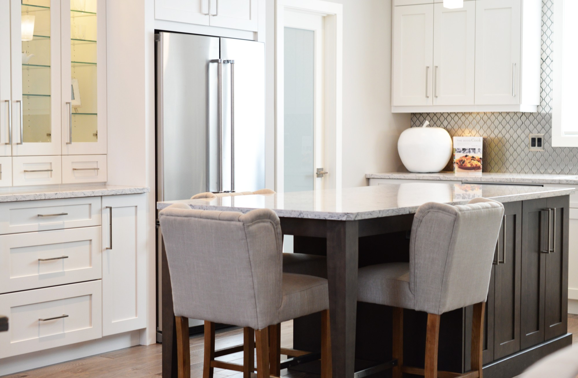 5 Modern Kitchen Designs Materials Styles And Colors For 2020